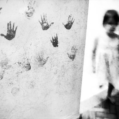 . (Catherine...) Tags: bw childhood wall painting square hands drawing mains blancinegre palabra artlibre 1j1p storybehindimage
