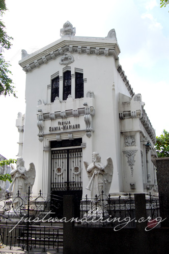 North Cemetery Manila 04