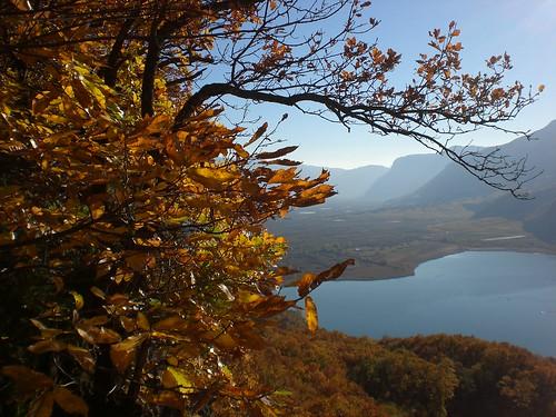 Blick von der Leuchtenburg auf den Kalterer See