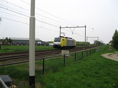Paniek Shot, de KV 189203 nabij Hrt 16-4-2009 16:01 uur (giedje2200loc) Tags: railroad light en electric train photo foto power shot engine siemens eindhoven move panic venlo locomotive trainspotting kv 189 lok lijn railfanning zeldzaam losse verder paniek kombiverkehr 189203 bauhreihe