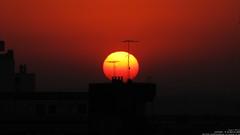 Break point (Carlos Alberto Tellería) Tags: sunset sol canon atardecer rojo diego paisaje cielo fuego marino terraza sx10 dondeseescondeelsol diegoamarino