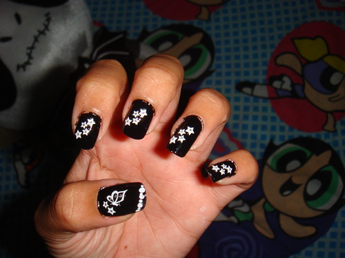 Black Nails & White Stars