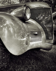 B & W Hot Rod detail HDR
