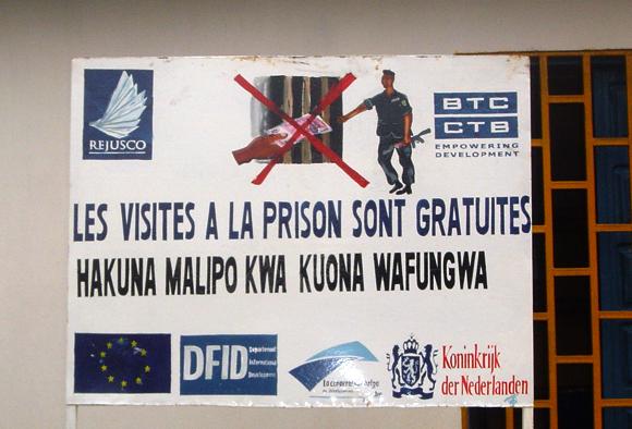 Les visites à la prison sont gratuites