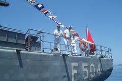 F 504 TCG BARTIN  Savaş Gemisi - Turkiye (Neşe Avcıl) Tags: turkey turkiye turkish subay asker bayrak turgutreis savaşgemisi f504 tcgbartin zirhli