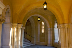 Nooks and crannies (Rozanne Hakala) Tags: church architecture dc washington districtofcolumbia gothic hallway archway episcopal washingtonnationalcathedral alcoves cathedralchurchofstpeterandstpaul 6thlargestcathedralintheworld