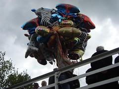 Rickmansworth Festival (Sonata Crew) Tags: festival canal footbridge balloon railing narrowboat waterway rickmansworth grandunion