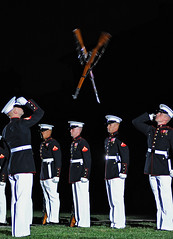 X marks the spot - Marine Silent Drill Platoon rifle exchange (United States Marine Corps Official Page) Tags: usmc washingtondc marines drillteam marinecorps honorguard semperfidelis silentdrillplatoon silentdrillteam eveningparade sunsetparade marinebarrackswashington marineinfantry