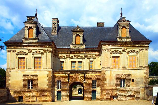 Château de Tanlay - entrée - Petit château