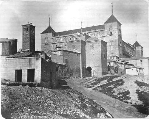 Alcázar y San Miguel el Alto en el siglo XIX. Fotografía de Casiano Alguacil