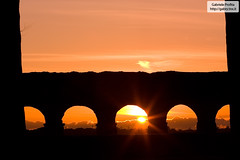 "Roman aqueduct at sunset <a style=""margin-left:10px; font-size:0.8em;"" href=""http://www.flickr.com/photos/24828582@N00/3204650640/"" target=""_blank"">@flickr</a>"