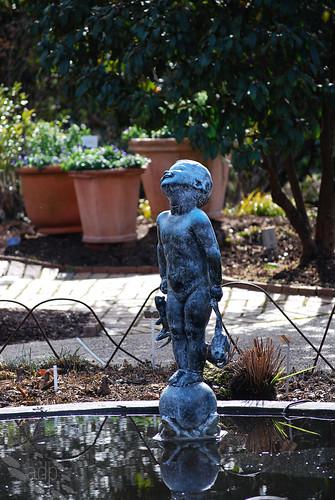 ADP_statue_boy[2009]