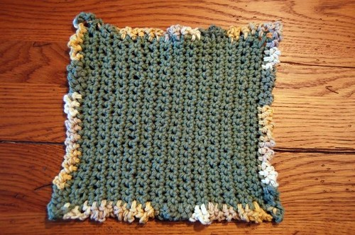 crochet dishcloth with ruffle edging