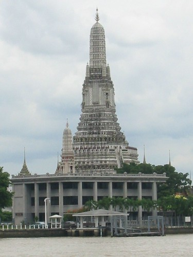 Wat Arun van op afstand