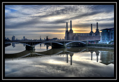 Battersea Power Station (SteveAvenged7X) Tags: reflection london water station thames clouds sunrise river nikon power battersea soe powerstation global fotografa grosvenor cubism d300 supershot 18200vr flickrsbest mywinners abigfave aplusphoto ultimateshot amazingamateur theunforgetablepictures theunforgettablepictures flickrestrellas multimegashot rubyphotographer grouptripod fotografaglobal flickrunitedaward