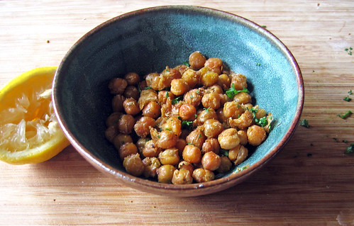 roasted chickpeas with lemon