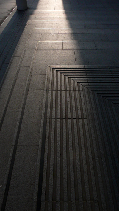 La luz sube la escalera