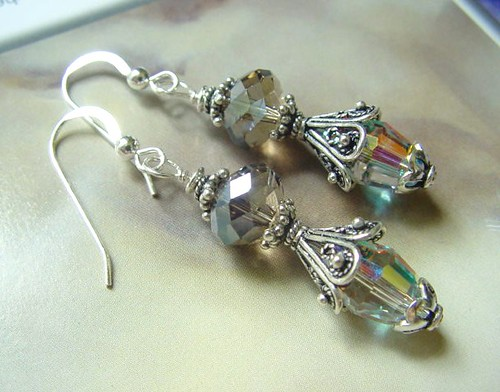 #CD227 = MYSTICAL MOMENT Lampwork Earrings SGD$30