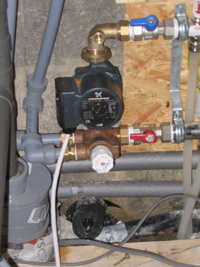 Manifold and pump