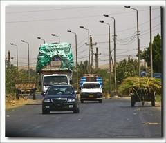 (904) A box can be still charged....../ eine Kiste geht noch........./ Egypt (unicorn 81) Tags: africa street travel truck trekking fun highway northafrica egypt egyptian egipto 2009 ägypten egitto egypte overloaded reise egypten rundreise roundtrip egipt égypte mapegypt spas nordafrika egypttrip april2009 ægypten aegyptus αίγυπτοσ ægyptusintertravel ägyptenreise schulzaktivreisen meinjahr2009