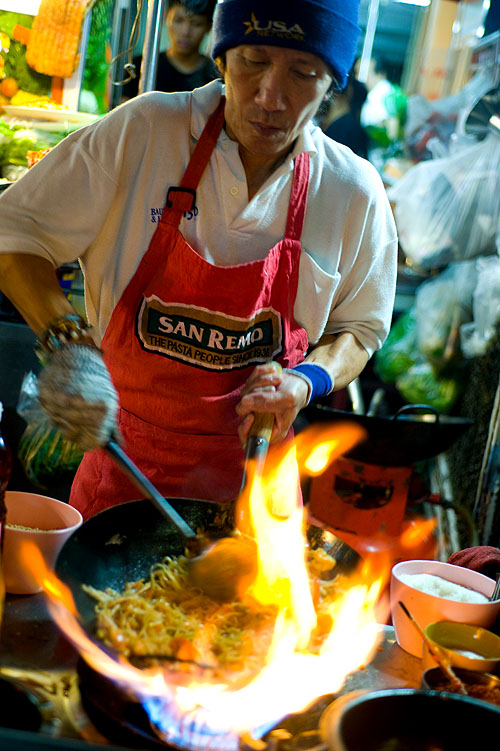 Frying up phat thai at Phat Thai Fai Look, a stall in Bangkok