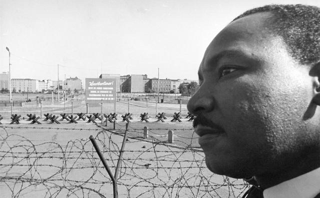 柏林墙倒塌照片9