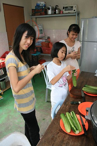 Preparing the cucumber