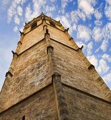 Tocando las nubes.... (Lumley_) Tags: plaza espaa valencia reina spain nikon torre gothic catedral vicente 1855mm lumley 2009 casco virgen antiguo antic campanario gotico rubio miguelete d60 historico