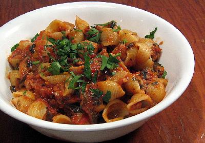 Tuna-Tomato Pasta