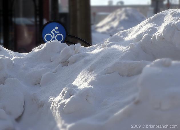 SN850819_snow_bike