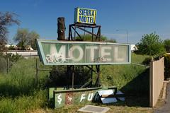 20090404 Sierra Motel