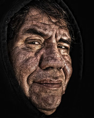"""San................"" (Alfredo11) Tags: old portrait man texture textura smile face look proud mouth mexico expression retrato cara oldman frosty pride lips mirar alfredo vista labios sonrisa capture anciano emotions boca mirada gaze viejo wrinkle hombre rostro ver canas lofty treatment wrinkly tratamiento captura altivo hoary haughtiness orgullo expresion arrugas sb800 arrugado nouse emociones lordly canoso altivez orgulloso nikoncreativelightingsystem sb900 naruz nikond300 loftiness"