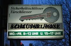 Schlsselerlebnis (Maxbauer) Tags: schlssel versalien schlsseldienst schlsselerlebnis