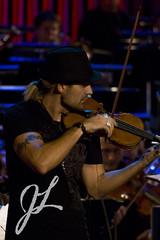 David Garrett (Tupfenmonster) Tags: oktober david canon munich münchen october rehearsal pirates probe garrett violin fiddle 2008 geige gasteig davidgarrett eos400d echoklassik