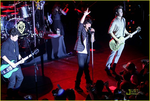 jonas-brothers-irving-plaza-concert-04