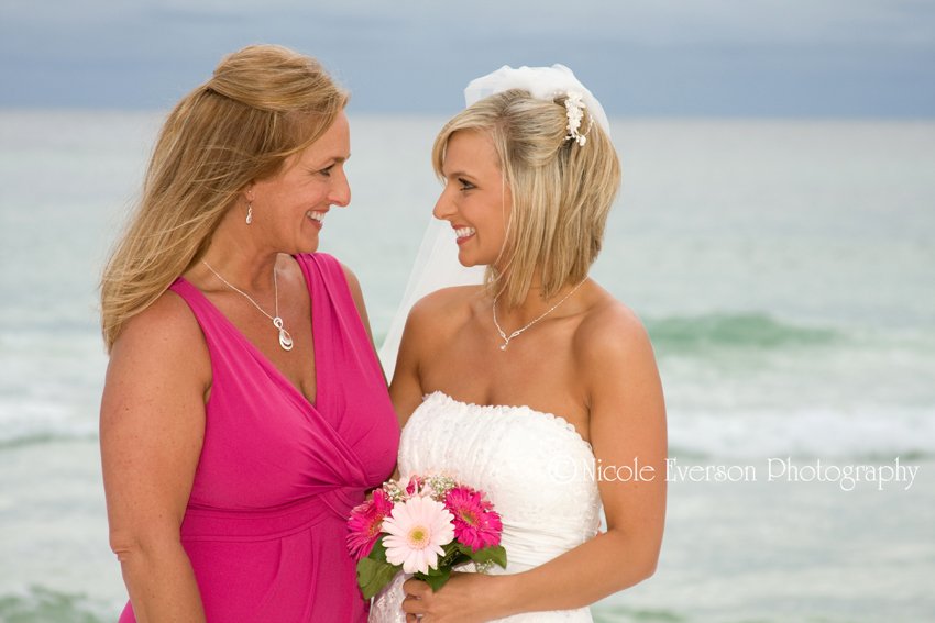 Nicole Everson Photography | Beach wedding
