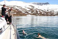 Refreshment (Haukurrr) Tags: skiing backcountry hornstrandir haukur vestfirðir westfjords backcountryskiing jökulfirðir jokulfirdir boreaadventures haukursigurðsson haukursigurdsson glacerfjords northexplorers auroraarktika