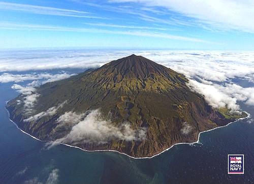 Tristão da Cunha - Vista Geral do Vulcão