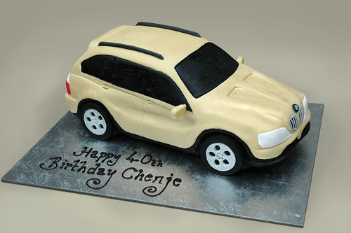BMW X5 car birthday cake