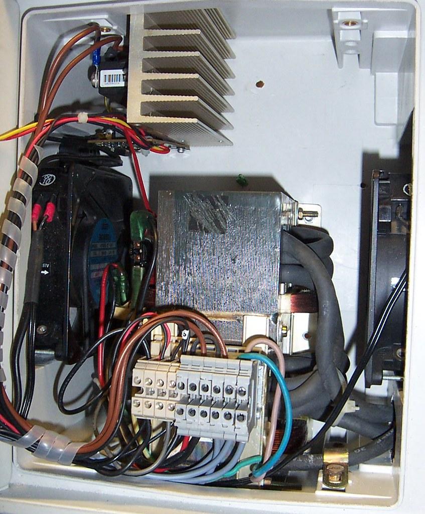Forum Puntatrice Riciclata Su Elettronica Generale Grixit Come Leggere I Circuiti Elettrici E Dellinterno