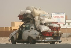 Renault 12 in Nouakchott (Ferdinand Reus) Tags: africa old sea fish car rust paint market transport cargo fresh goods renault bags wreck economy ov