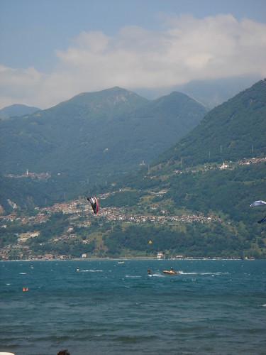 414 Kiting on Lake Como, Italy