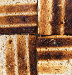 Textures on toasts.... (Loca....) Tags: portugal linhas stripes patterns explore textures riscas texturas toasts padres torradas project365 locabandoca duetos mdpd2009 my2009dailyphotodiary mdpd200904 weekfifteenstripes 1542009