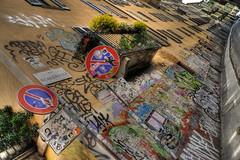 Via Scaldasole (Giorgio Vianini) Tags: graffiti milano fiori cartello hdr balcone divieto viascaldasole divietodisosta