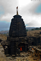Harishchandreshwar Temple (soumitra911) Tags: temple fort maharashtra around pune mandir sahyadri shivaji harishchandragad maharaj soumitra harishchandreshwar aroundpune kokankada inamdar soumitra911 tadka09wk22 mangalganga