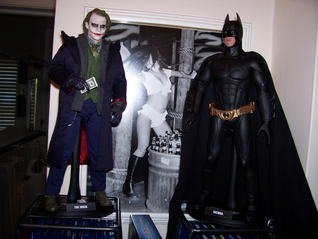 Hot Toys Batman and Joker