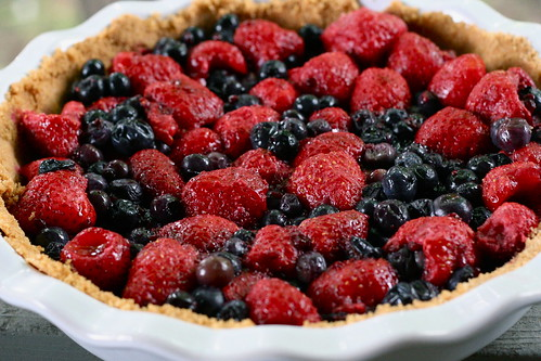 Summer Berry Icebox Pie