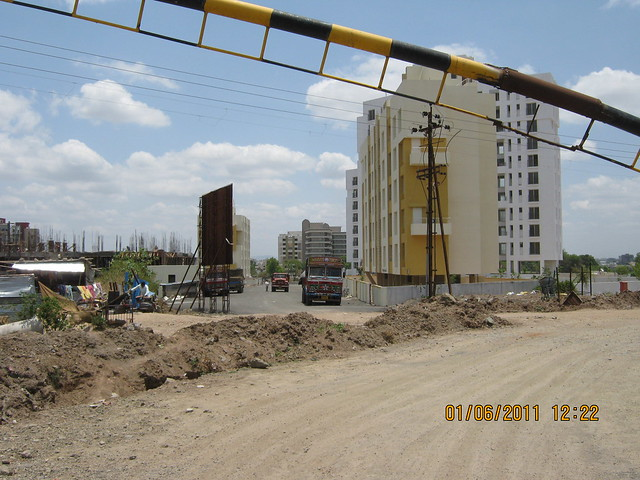 Thanks to Pride Group! Under construction 1 Crore Pride Platinum to Supreme Pallacio Road!!