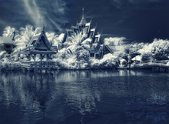 Wat Plai Laem (- Virgonc -) Tags: bw cloud white lake water ir thailand island temple big nikon buddha d70s ko samui infrared wat koh infra laem reflecition plai