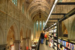 Maastricht (Bert Kaufmann) Tags: church netherlands maastricht design dominican interieur perspective nederland bookstore nl bookshop kerk eglise hdr limburg niederlande boekhandel perspectief boekenwinkel dominikaner selexyz dominicaner dominicanen moderin